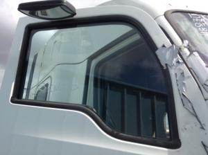 KENWORTH T680 Door Glass