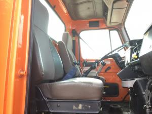 INTERNATIONAL 4900 Seat, non-Suspension