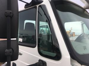 INTERNATIONAL DURASTAR (4400) Door Vent Glass