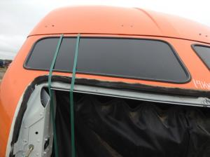 KENWORTH T660 Roof Glass