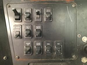 INTERNATIONAL 9100 Dash/Console Switch