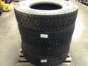 KENWORTH T800 Tires