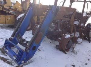 NEW HOLLAND 7040 Equipment Parts Unit