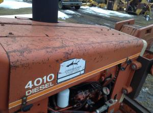DITCH WITCH 4010 Hood