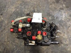 NEW HOLLAND L185 Hydraulic Valve