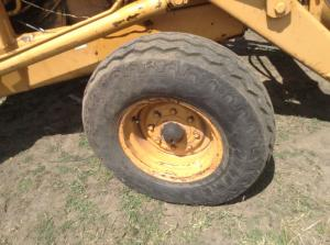 CASE 580C Tire and Rim