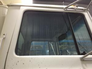 FORD LTS8000 Door Glass