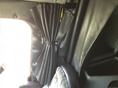 FREIGHTLINER CLASSIC XL Interior, Curtains
