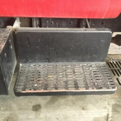 CHEVROLET C7500 Step (Frame, Fuel Tank, Faring)