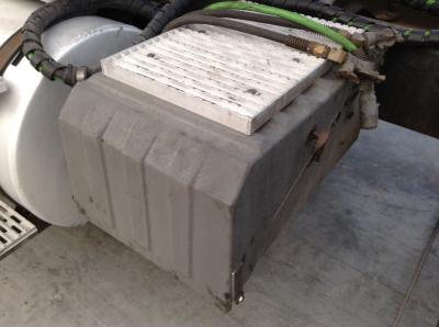 INTERNATIONAL 9400 Battery Box
