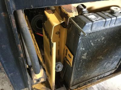 NEW HOLLAND LX865  Radiator Support