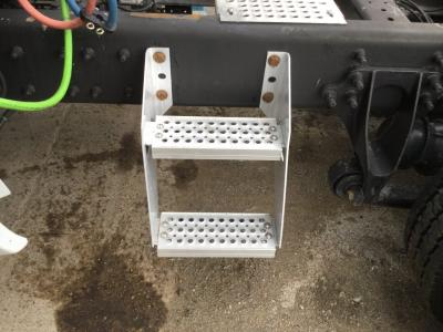 INTERNATIONAL PROSTAR Step (Frame, Fuel Tank, Faring)