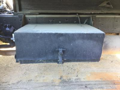 FORD CF7000 Battery Box