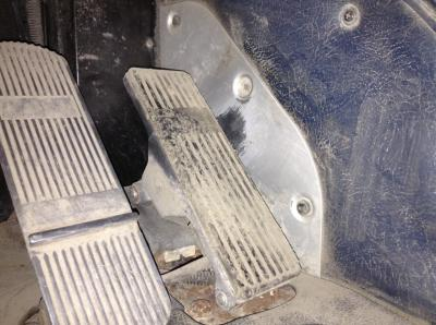 INTERNATIONAL 9700 Foot Control Pedals