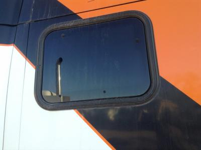 KENWORTH T2000 Window