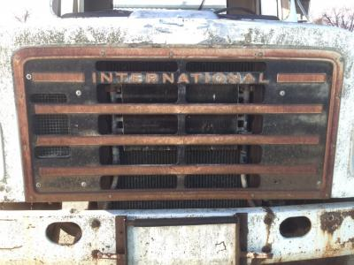 INTERNATIONAL S1900 Grille