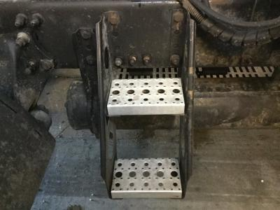 FREIGHTLINER C120 CENTURY Step (Frame, Fuel Tank, Faring)