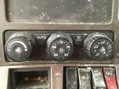 KENWORTH T680 Heater & AC Temperature Control