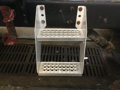 INTERNATIONAL 9200 Step (Frame, Fuel Tank, Faring)