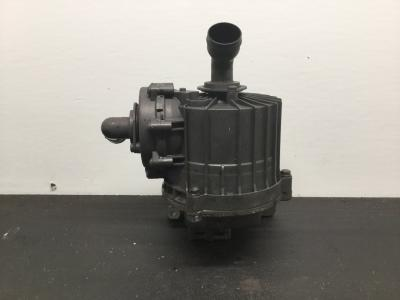PACCAR MX13 Engine Crankcase Breather