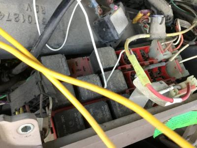 Peterbilt Fuse Bo on VanderHaags.com on peterbilt sleeper wiring, peterbilt 330 wiring, peterbilt 357 wiring, peterbilt 335 wiring, peterbilt 320 wiring, 359 peterbilt wiring, peterbilt 387 wiring,