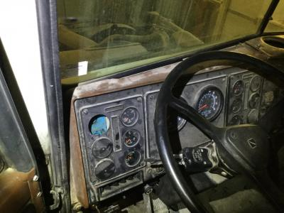 INTERNATIONAL 9400 Dash Panel