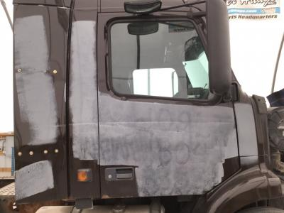 VOLVO VNM Door