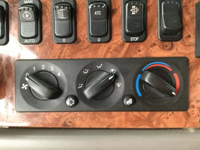 PETERBILT 587 Heater & AC Temperature Control