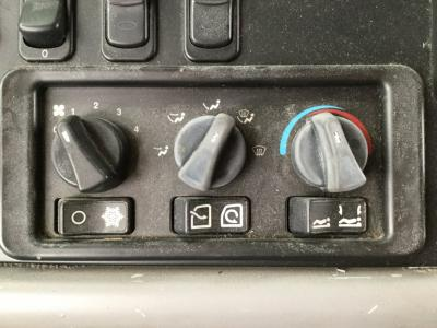 PETERBILT 387 Heater & AC Temperature Control
