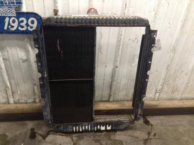 INTERNATIONAL 3800 Radiator