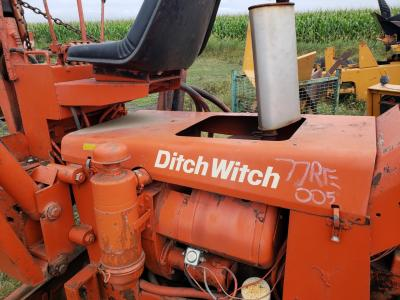 DITCH WITCH R40 Hood