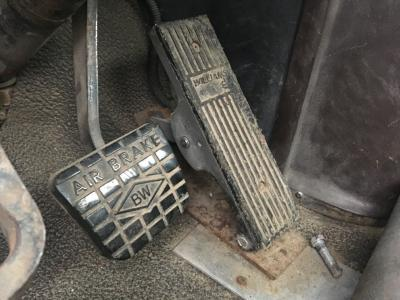 INTERNATIONAL 8300 Foot Control Pedals