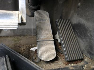 INTERNATIONAL 9200 Foot Control Pedals