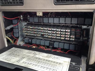 fuse box  international 9900