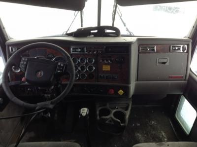 KENWORTH T600 Dash Assembly