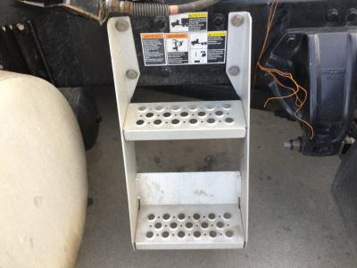 KENWORTH T680 Step (Frame, Fuel Tank, Faring)