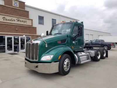 PETERBILT 579 Truck