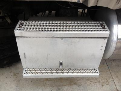 PETERBILT 378 Battery Box