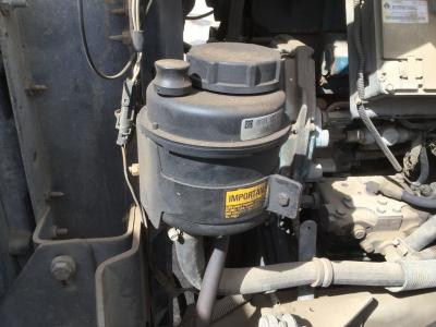 International 4900 Power Steering Reservoir