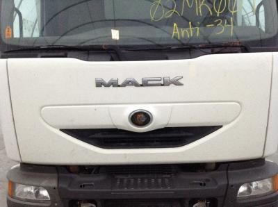 MACK TRUCK Grille