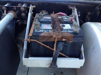 FREIGHTLINER FLD112 Battery Box
