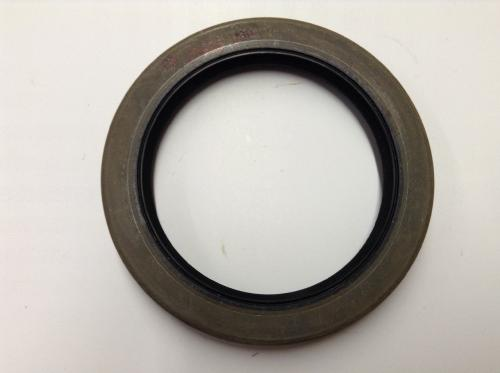 International RA472 Differential Seal