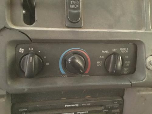 Ford L8513 Dash Assembly
