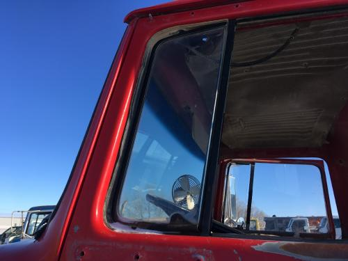 Ford LNT9000 Door Vent Glass