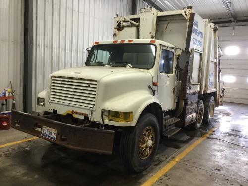 International 4900 Door Glass