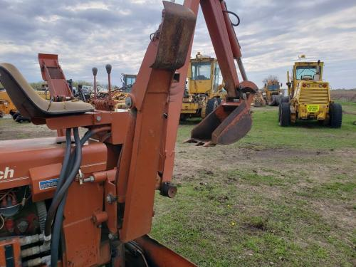 1973 Ditch Witch R40 Right Outrigger: P/N 321-300