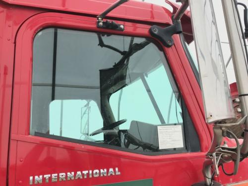 International 9400 Door Glass