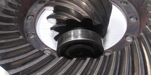 International RA355 Ring Gear and Pinion