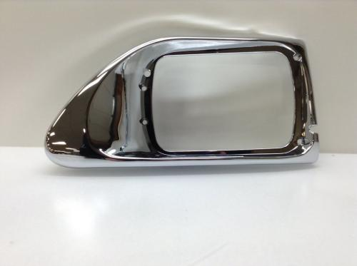 International 9200 Headlamp Door / Cover