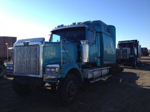 2000 Western Star Trucks 4900EX Parts Unit